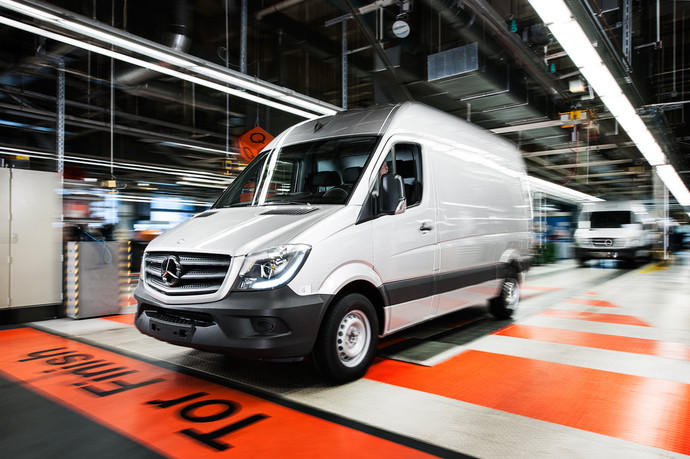 news mercedes benz werk d sseldorf wird sprinter. Black Bedroom Furniture Sets. Home Design Ideas