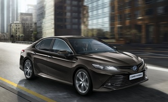 Toyota Camry - Comeback in cool